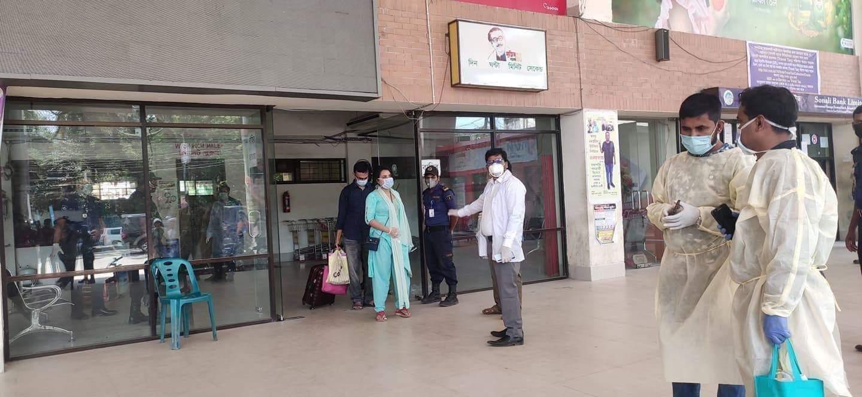 ৪৪ জন বাংলাদেশী বেনাপোল চেকপোস্ট দিয়ে দেশে ফিরেছে