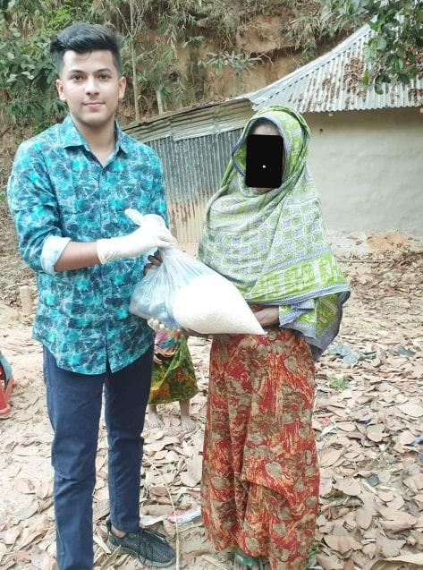 মানবতার দৃষ্টান্ত এসএসসি ফল প্রত্যাশি ফাহিম, টিফিনের টাকায় ১২০ পরিবারে খাদ্য সামগ্রী প্রদান