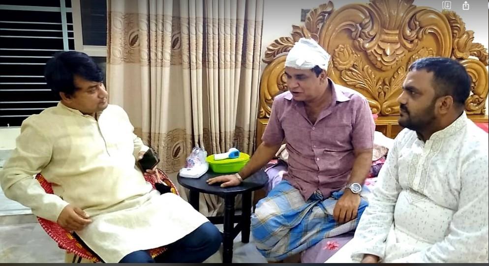 নাজিমুদ্দিন শ্যামলকে দেখতে গেলেন রিয়াজ হায়দার চৌধুরী