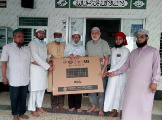 দেওয়ানবাজার সিএন্ডবি মসজিদে শিক্ষা উপমন্ত্রীর সোলার প্যানেল প্রদান