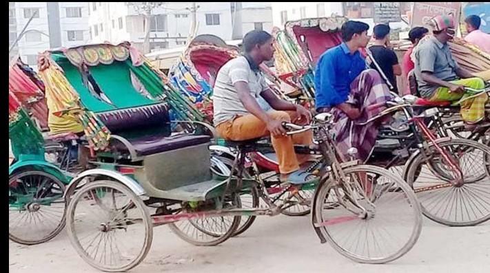 চট্টগ্রাম নগরীর অলিগলি অবৈধ ব্যাটারি রিক্সার দখলে