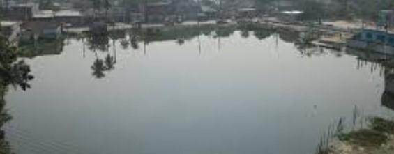 চট্টগ্রাম কাজির দেউড়ির জামে মসজিদের পুকুর ভরাট নিয়ে উত্তেজনা