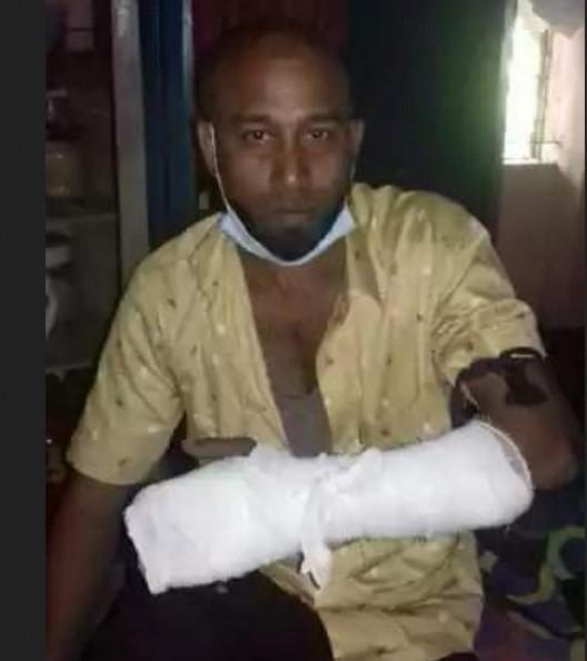 বান্দরবানে লেয়াকত বাহিনীর হামলায় চাচা ভাতিজা আহত