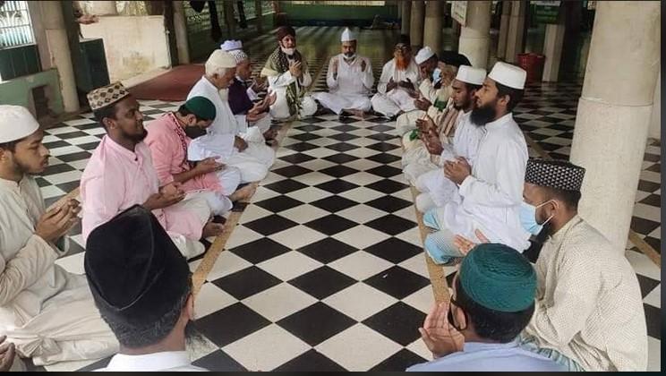 বেগম খালেদা জিয়ার রোগমুক্তি কামনায় বোয়ালখালীর বুড়া মসজিদে দোয়া মাহফিল