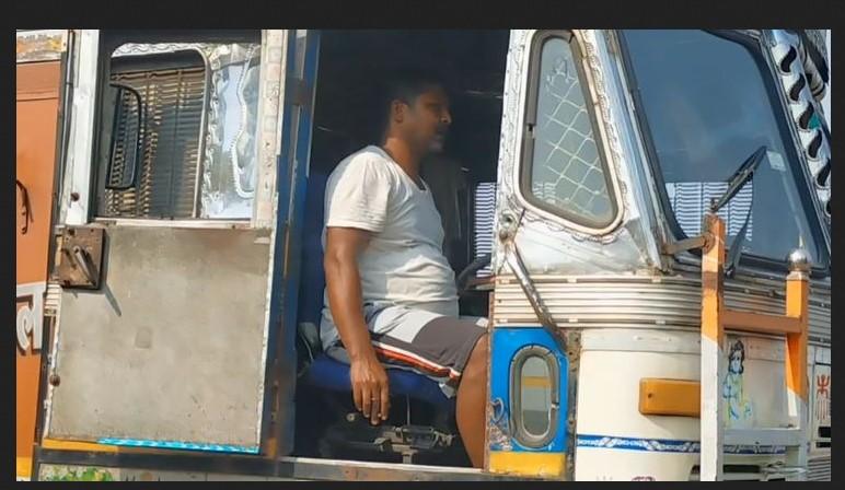 ভারতীয় ট্রাকচালকরা স্বাস্থ্যবিধি মানতে অনীহা, ঝুঁকিতে বেনাপোল!