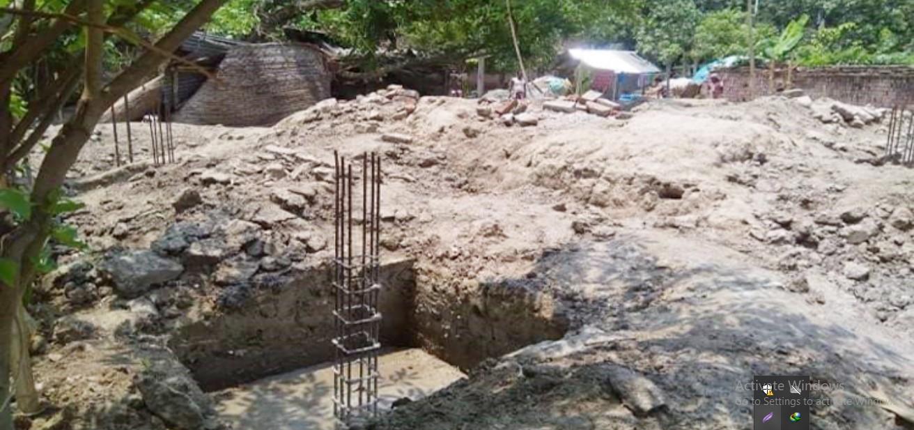 কলারোয়ায় রায়ের আগেই দখল করে ঘর নির্মাণ করছে একটি গোষ্ঠী